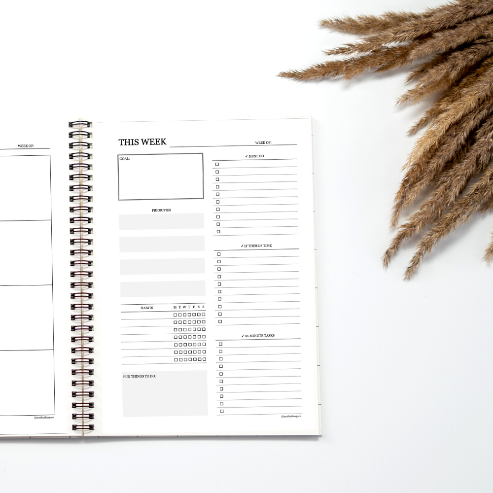 weekly planner for productivity! Get organized with these printable weekly planner inserts that will help you live your best life!